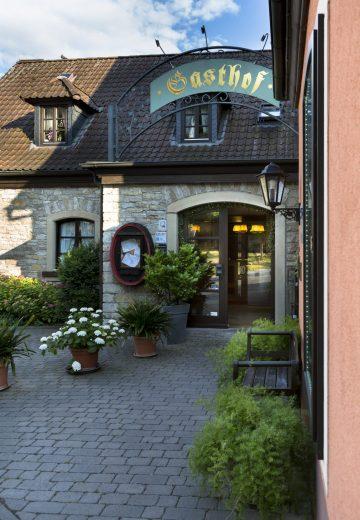 AKZENT Hotel Franziskaner Dettelbach Hotel Außen Hoteleingang