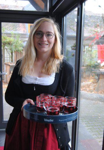 Karola Dauenhauer: Veranstaltungskauffrau & Bachelor Sportmanagement. Stellvertretende Betriebsleitung Hotel Franziskaner.